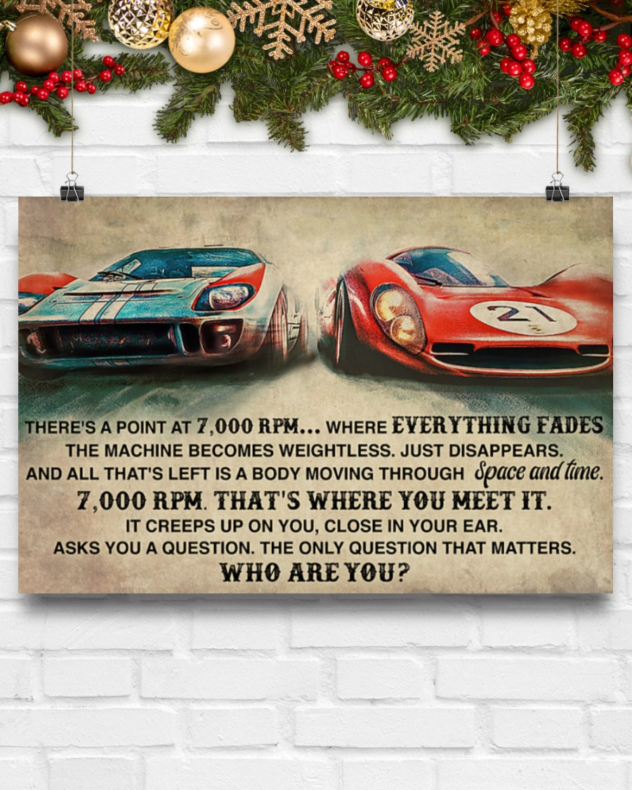 Poster Car racing there's a point at 7000 RPM 8