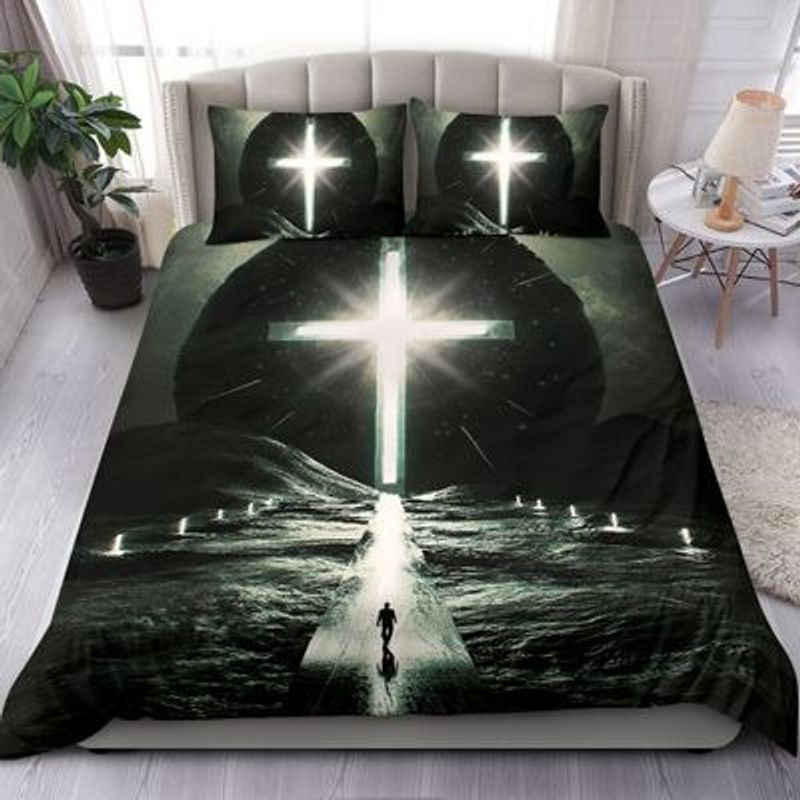Way to cross light with person bedding set 7