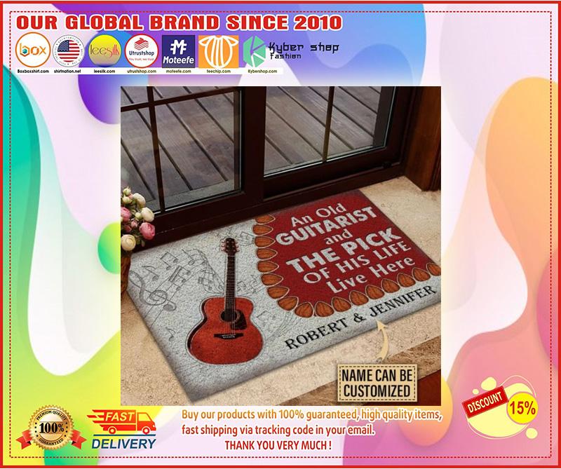 Guitar An ole guitarist and the pick custom name doormat 7
