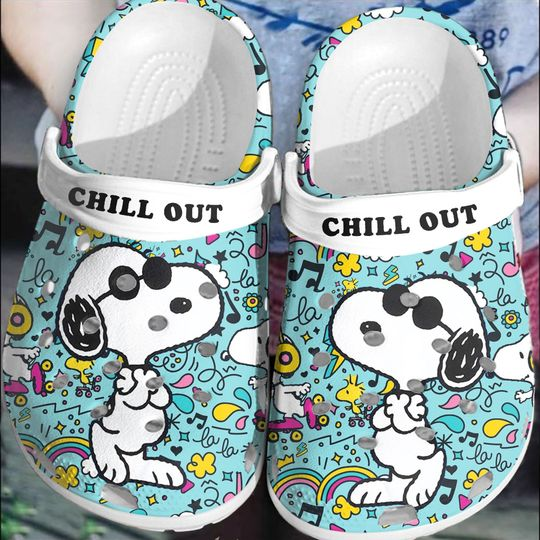 Snoopy Chill out crocs log crocband